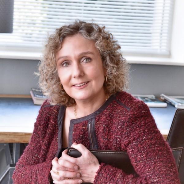 drs. Wendelyn Leenheer
