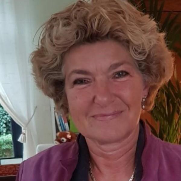 Anja van Diest