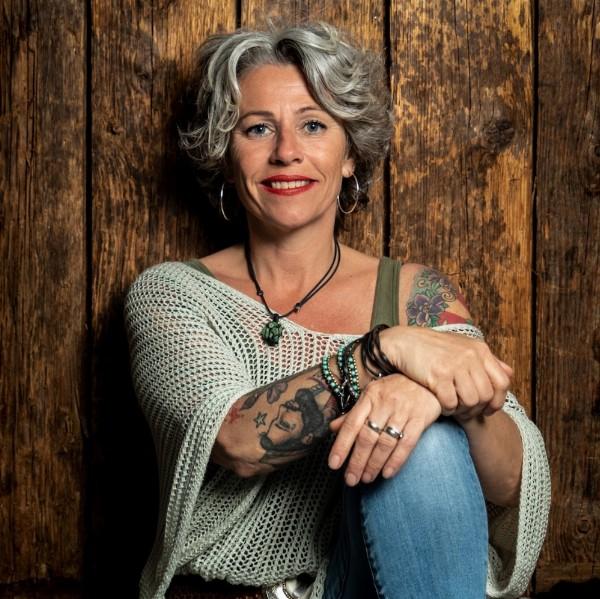 Esther van Wijnen-Formanek